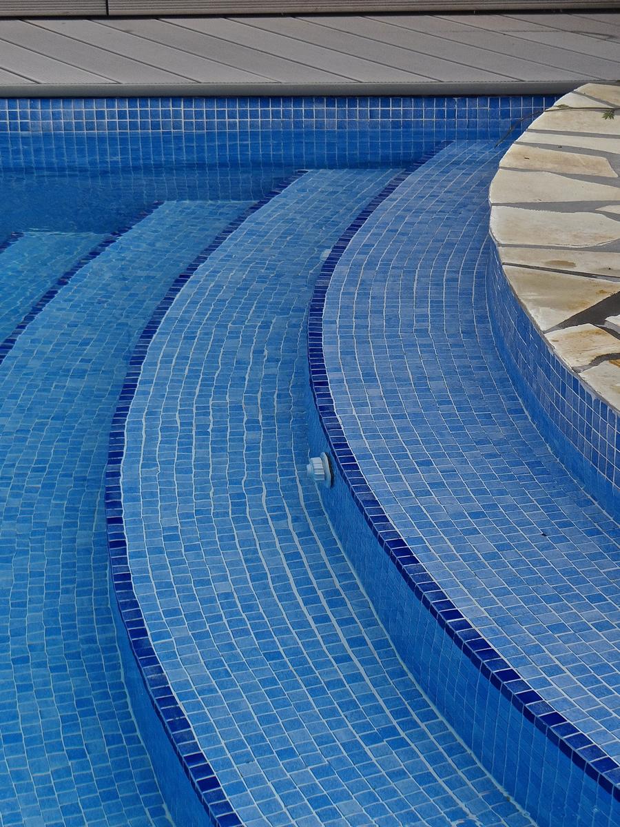 Espool piscinas especialistas en instalaci n y for Piscinas de gresite