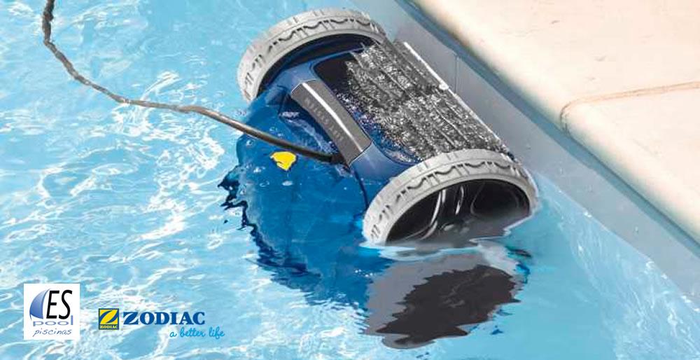 Robot limpiafondos de piscina Zodiac. De venta en Espool Piscinas, Guadalajara.